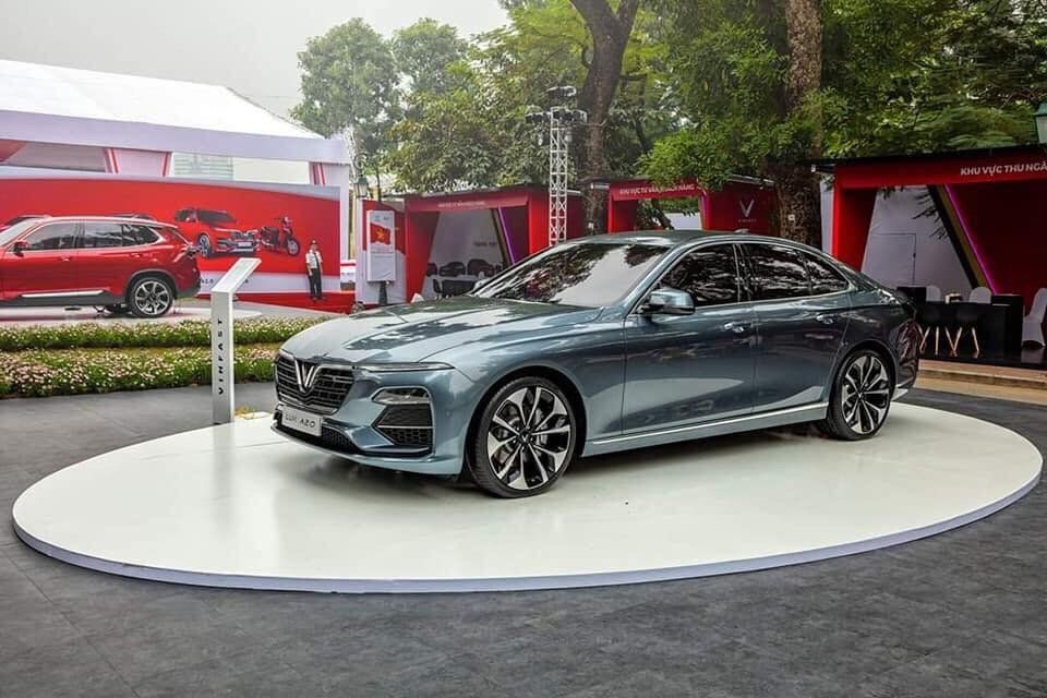 Ra mắt xe lux A 2.0